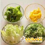 鸡肉瘦身沙拉的做法 步骤3