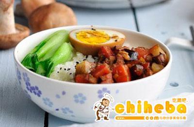 胡萝卜香菇卤肉饭