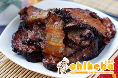 腊肉蒸猪血豆腐
