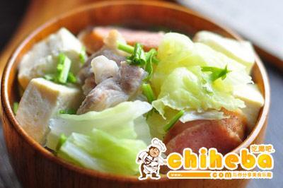 红肠豆腐白菜