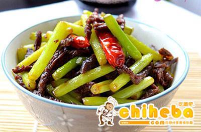 牛肉煸蒜苔