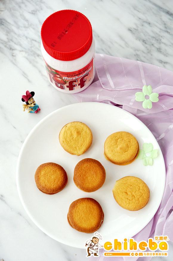 草莓法罗夫夹心软饼