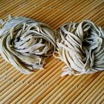手擀绿豆面条