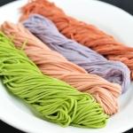 蔬菜汁彩色面条